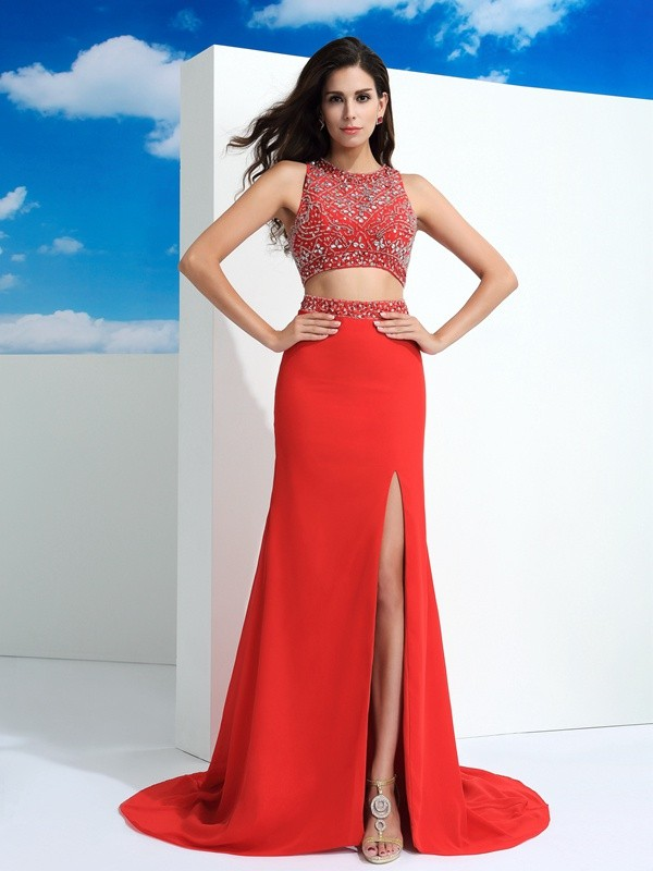Sheath/Column Red Chiffon Court Train Dresses with Beading