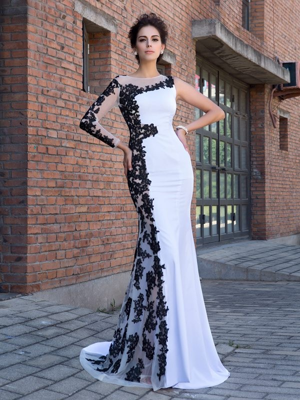 Trumpet/Mermaid White Chiffon Sweep/Brush Train Evening Dresses with Applique