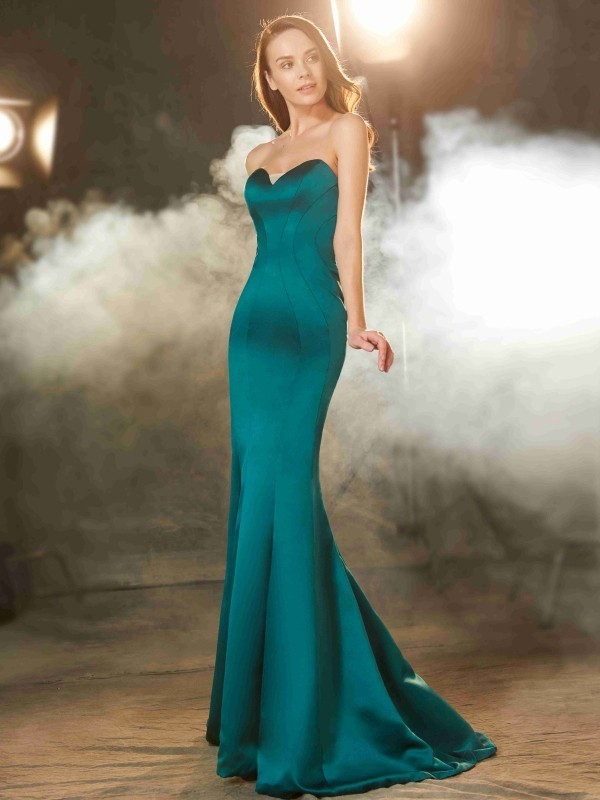 Trumpet/Mermaid Dark Green Satin Sweep/Brush Train Dresses with Ruched