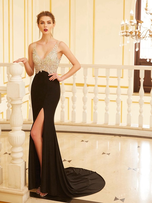 Sheath/Column Black Spandex Sweep/Brush Train Dresses with Beading