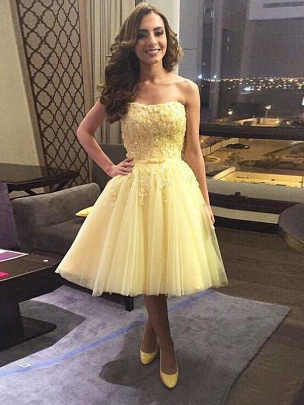 A-Line/Princess Daffodil Tulle Short/Mini Homecoming Dresses with Applique