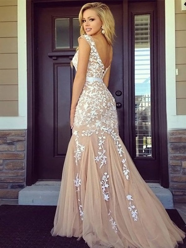Sheath/Column Champagne Tulle Floor-Length Dresses with Applique