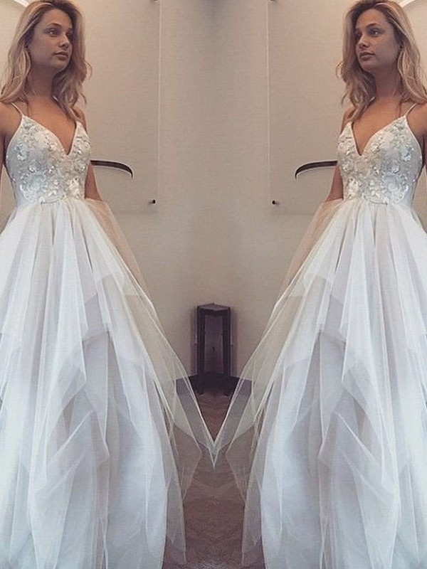 A-Line/Princess White Tulle Floor-Length Dresses with Applique