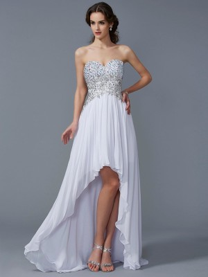 A-Line/Princess White Chiffon Asymmetrical Homecoming Dresses with Beading