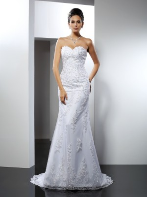 Trumpet/Mermaid White Satin Court Train Wedding Dresses with Lace