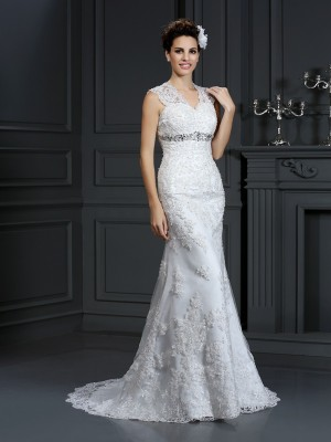 Sheath/Column Ivory Lace Sweep/Brush Train Wedding Dresses with Beading