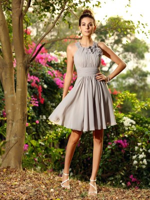 A-Line/Princess Silver Chiffon Knee-Length Bridesmaid Dresses with Hand-Made Flower