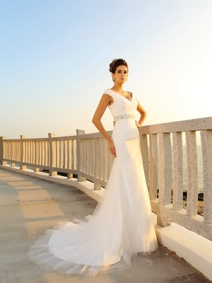 Sheath/Column Ivory Net Court Train Wedding Dresses with Pleats