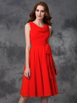 A-Line/Princess Red Chiffon Knee-Length Bridesmaid Dresses with Ruffles