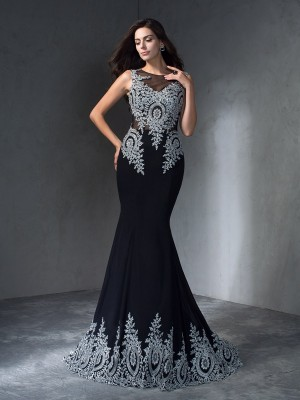 Trumpet/Mermaid Black Chiffon Sweep/Brush Train Dresses with Applique