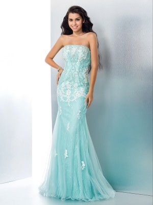 Trumpet/Mermaid Light Sky Blue Lace Floor-Length Dresses with Applique