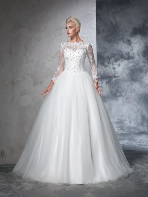 Ball Gown Ivory Net Sweep/Brush Train Wedding Dresses with Lace
