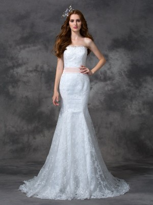 Trumpet/Mermaid White Lace Court Train Wedding Dresses with Sash/Ribbon/Belt