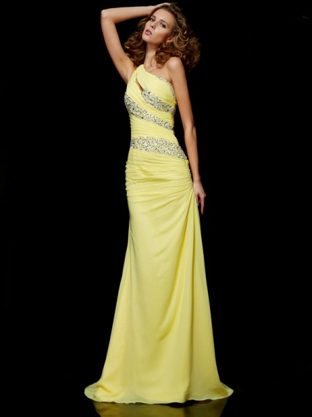 Sheath/Column Yellow Chiffon Sweep/Brush Train Dresses with Beading