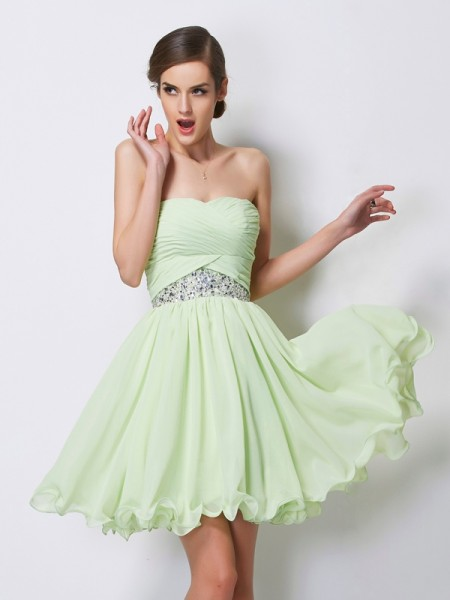 A-Line/Princess Sage Chiffon Short/Mini Homecoming Dresses with Beading