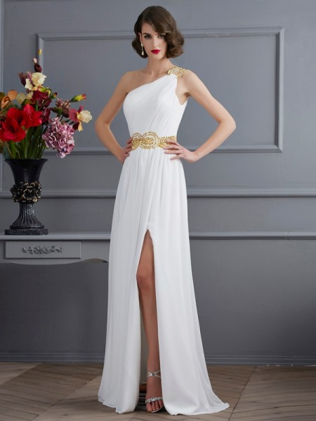 A-Line/Princess Ivory Chiffon Sweep/Brush Train Dresses with Ruched