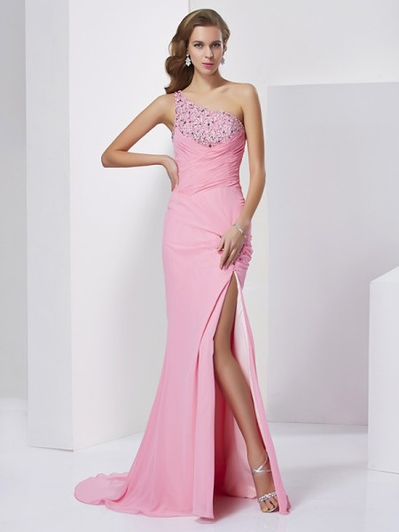 Sheath/Column Pink Chiffon Sweep/Brush Train Dresses with Beading