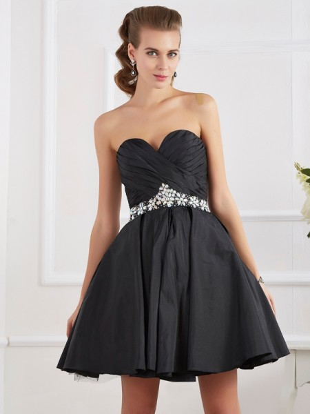 A-Line/Princess Black Taffeta Short/Mini Homecoming Dresses with Beading
