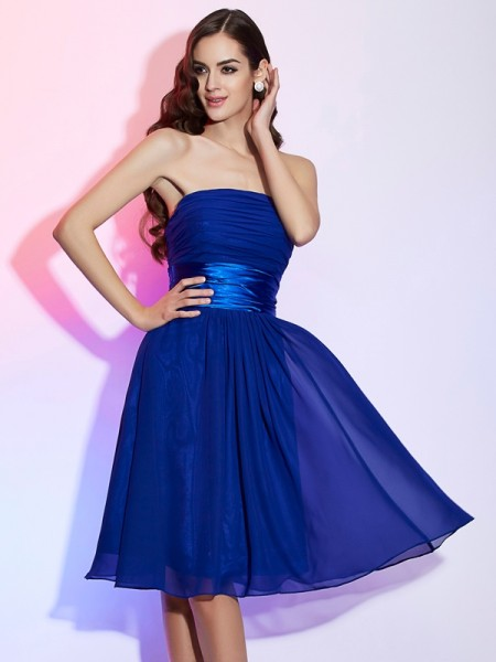 A-Line/Princess Royal Blue Chiffon , Silk like Satin Knee-Length Homecoming Dresses with Bowknot