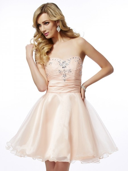 A-Line/Princess Pearl Pink Tulle Short/Mini Homecoming Dresses with Beading