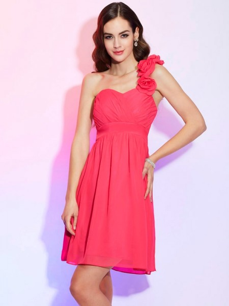A-Line/Princess Fuchsia Chiffon Knee-Length Homecoming Dresses with Pleats