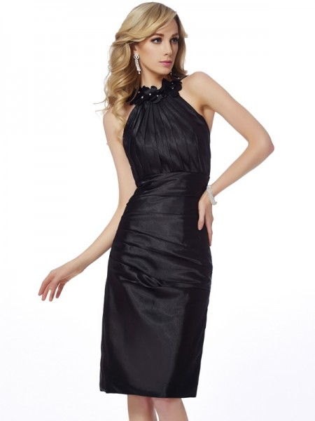 Sheath/Column Black Elastic Woven Satin Knee-Length Homecoming Dresses with Applique