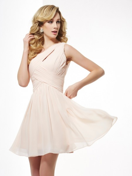 A-Line/Princess Champagne Chiffon Short/Mini Homecoming Dresses with Pleats