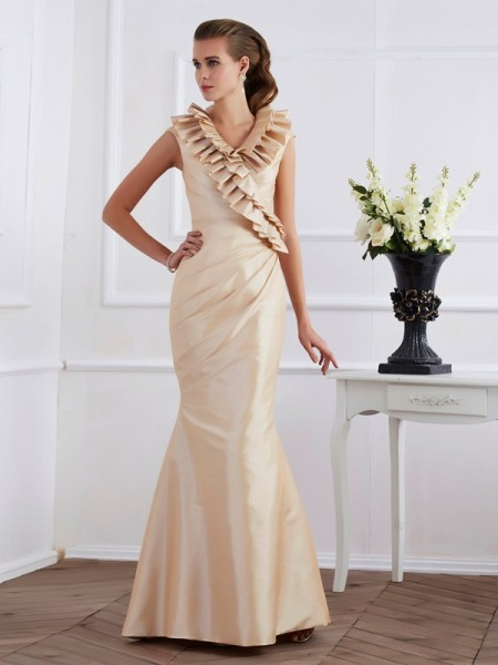 Sheath/Column Champagne Taffeta Floor-Length Mother Of The Bride Dresses with Ruffles
