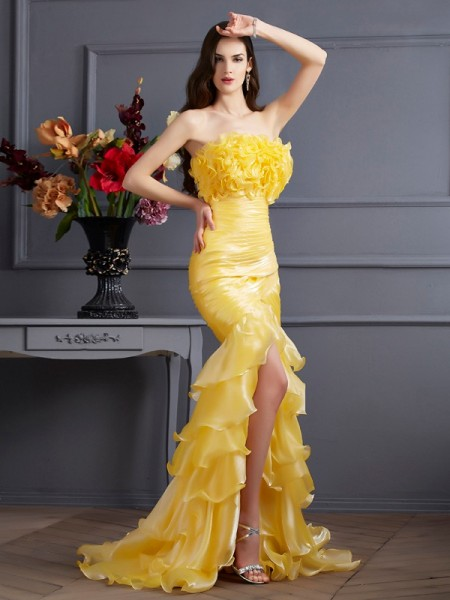 Trumpet/Mermaid Yellow Tulle Sweep/Brush Train Dresses with Ruffles