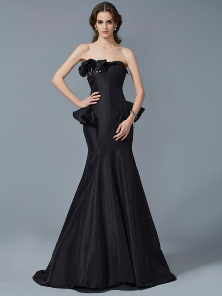 Trumpet/Mermaid Black Taffeta Sweep/Brush Train Dresses with Ruffles
