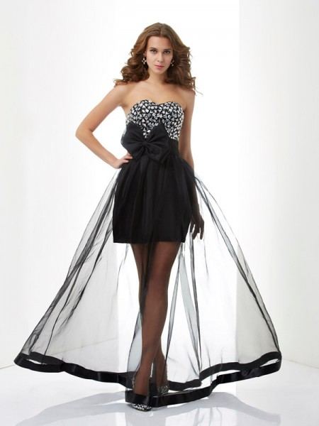 A-Line/Princess Black Organza Floor-Length Dresses with Beading