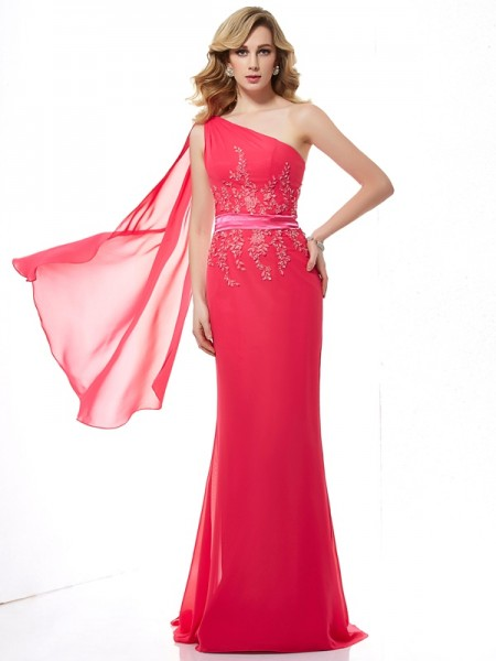 Sheath/Column Fuchsia Chiffon Sweep/Brush Train Dresses with Beading