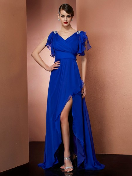 A-Line/Princess Royal Blue Chiffon Asymmetrical Dresses with Beading