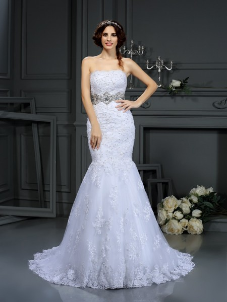 Trumpet/Mermaid White Lace Court Train Wedding Dresses with Beading