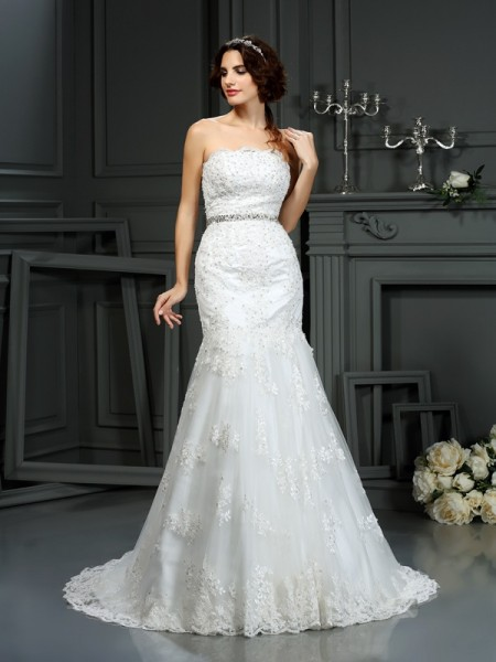 Trumpet/Mermaid Ivory Lace Court Train Wedding Dresses with Beading