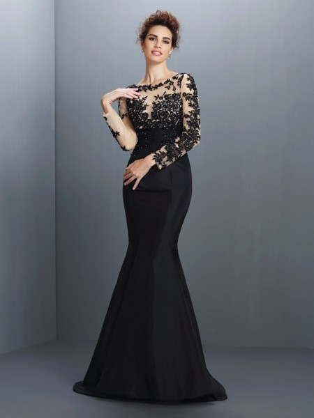 Trumpet/Mermaid Black Taffeta Sweep/Brush Train Mother Of The Bride Dresses with Applique