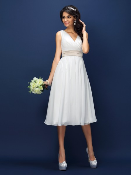 A-Line/Princess White Chiffon Knee-Length Bridesmaid Dresses with Sash/Ribbon/Belt
