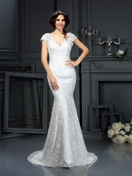 Trumpet/Mermaid Ivory Lace Court Train Wedding Dresses with Lace