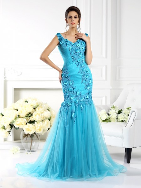 Trumpet/Mermaid Blue Silk like Satin Sweep/Brush Train Dresses with Applique