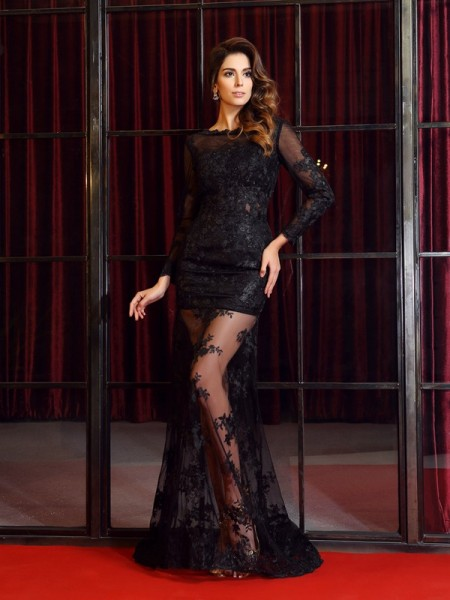 Trumpet/Mermaid Black Lace Sweep/Brush Train Dresses with Applique