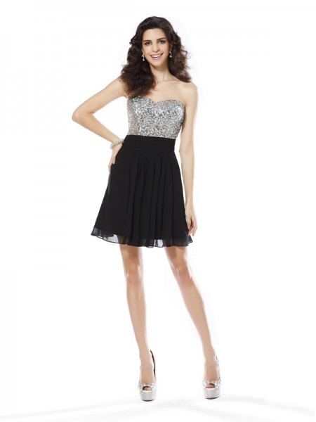 A-Line/Princess Black Chiffon Short/Mini Homecoming Dresses with Beading
