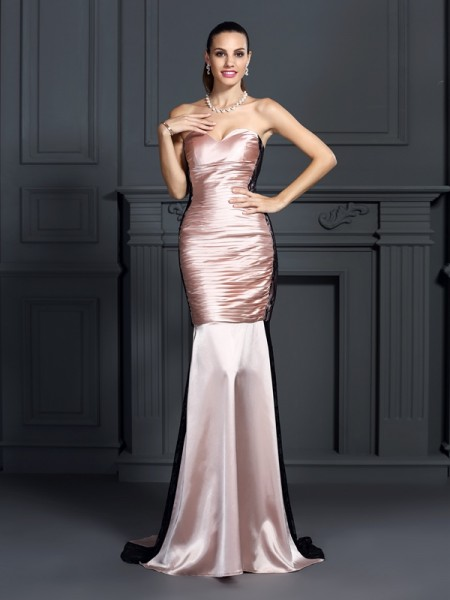 Trumpet/Mermaid Pearl Pink Taffeta Sweep/Brush Train Dresses with Lace