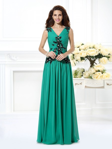 A-Line/Princess Hunter Green Chiffon Floor-Length Evening Dresses with Beading