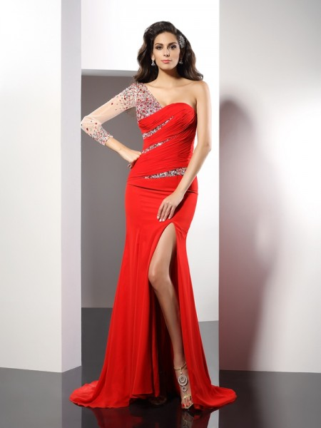 Sheath/Column Red Chiffon Sweep/Brush Train Evening Dresses with Beading