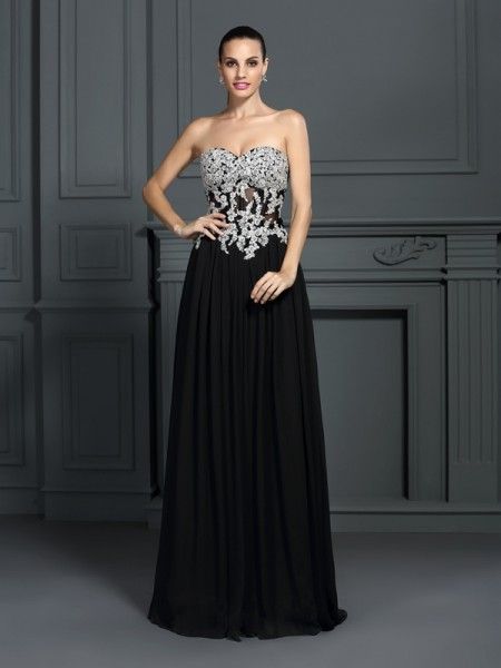 A-Line/Princess Black Chiffon Floor-Length Dresses with Applique