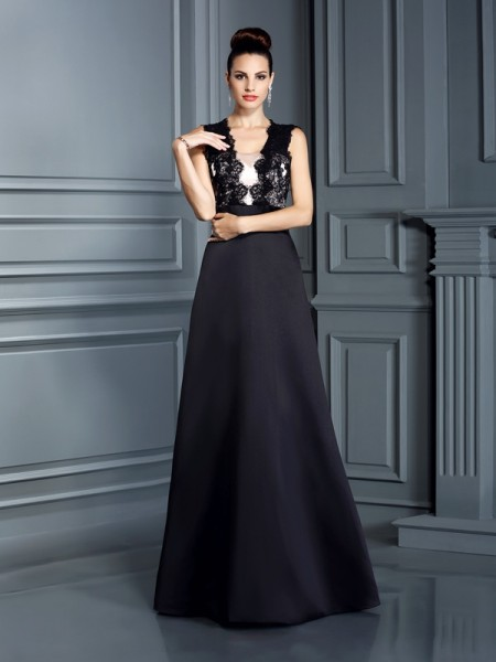A-Line/Princess Black Satin Floor-Length Dresses with Lace