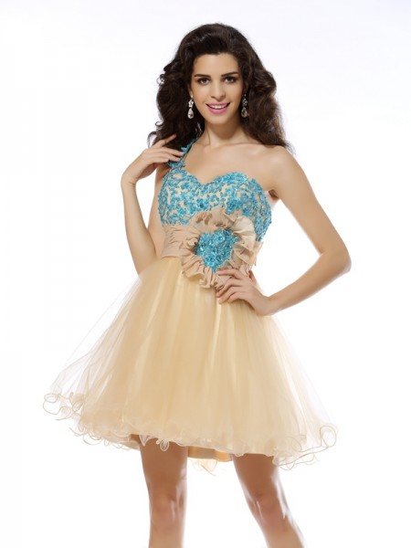 A-Line/Princess Champagne Net Short/Mini Homecoming Dresses with Applique