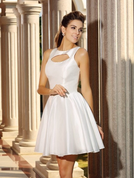 A-Line/Princess White Satin Short/Mini Homecoming Dresses with Other