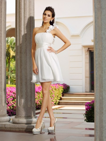 A-Line/Princess Ivory Chiffon Short/Mini Homecoming Dresses with Hand-Made Flower