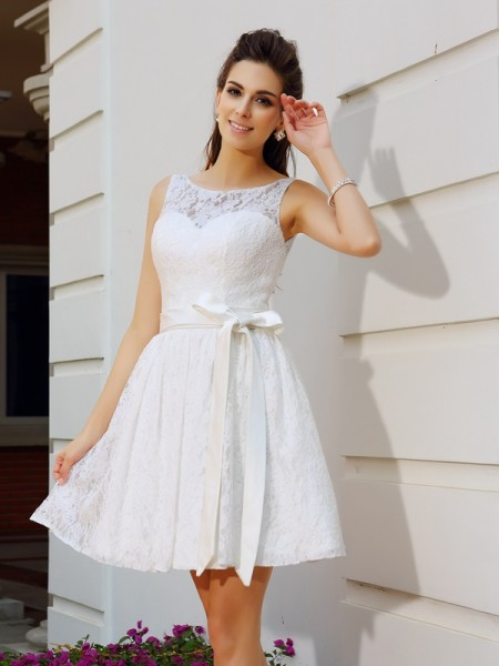 A-Line/Princess White Lace Short/Mini Homecoming Dresses with Sash/Ribbon/Belt